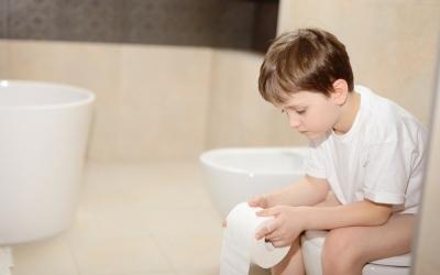 Ротавирусная инфекция - 2019. Кишечный грипп. Насколько опасна ротавирусная инфекция. Как лечить ротавирусную инфекцию у детей, диета при ротавирусной инфекции. Насколько эффективны прививки от ротавирусный инфекции. Обезвоживание ребенка при рвоте и диарее: признаки. Как оценить степень обезвоживания ребенка. Экстренная помощь при обезвоживании.