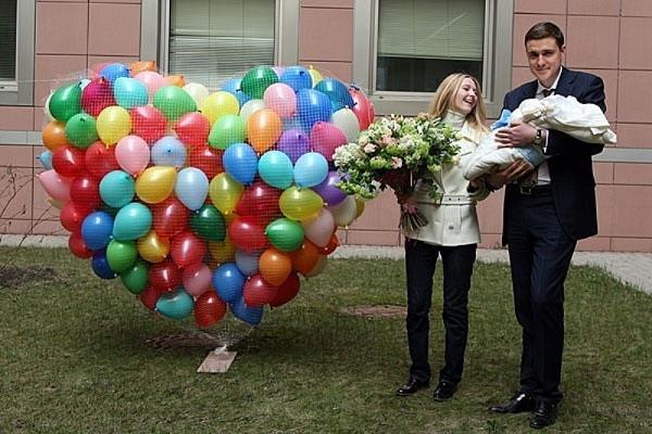 10 идей для праздничной встречи из роддома. Воздушные шары