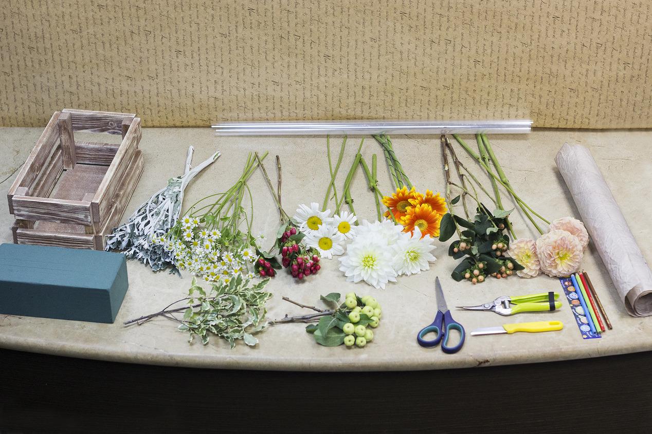 Композиция из цветов для учителя своими руками