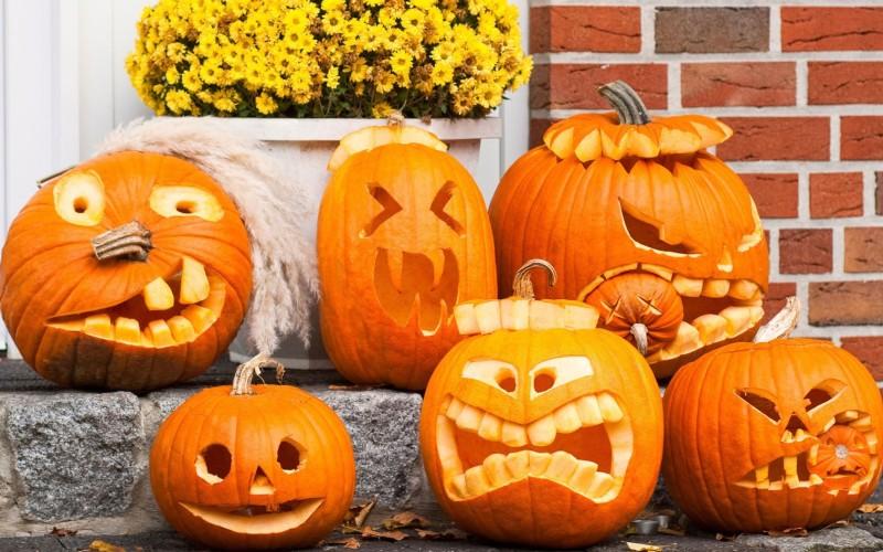 Карвинг по тыкве на Хэллоуин. Идеи для создания Джека фонаря, вырезанного из тыквы. Трафареты для вырезания из тыквы. Как самому вырезать Jack-o-Lantern.