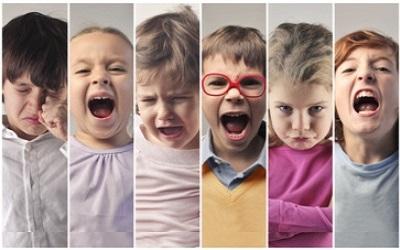 Почему ребенок ведет себя как младенец. Причины регресса ребенка-дошкольника. Ревность старшего ребенка к младшему. Психология дошкольного возраста.