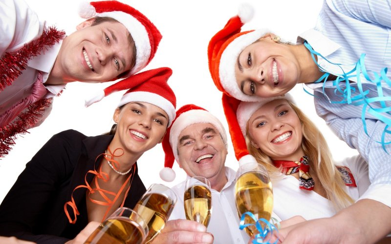 Новый год в офисе: как весело и интересно обменяться подарками с коллегами