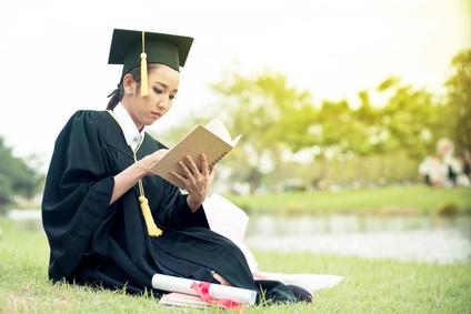 Что и как говорить на защите диплома Пошаговая инструкция  Почему Потому что текст вашего диплома читал только ваш научный руководитель ну может быть еще зав кафедрой А комиссии он не известен