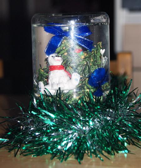 Новогодняя поделка с ребенком. Новогодний подсвечник из обычной банки. Рождественский шар своими руками из стеклянной банки - мастер-класс.