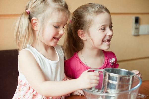 Простые рецепты готовят дети